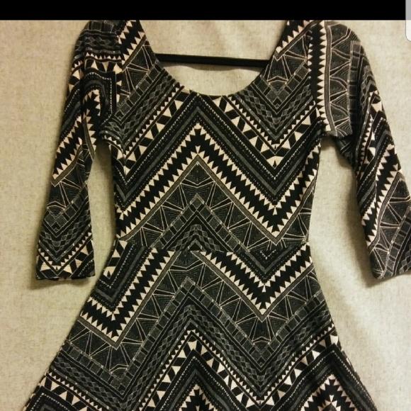 Charlotte Russe Dresses & Skirts - ⚡⚡FREE⚡⚡Charlotte Russe mini long sleeve dress